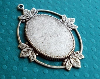 Antique Silver 45x35mm Cameo/Pendant Setting for a 25x18mm Flat Back Cab or Jewel (1)