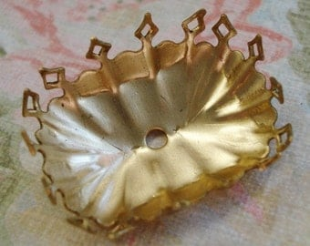 Brass 25x18mm Fancy Crown Edge Octagon Closed Back Settings for Jewels or Cabs (3 pcs)