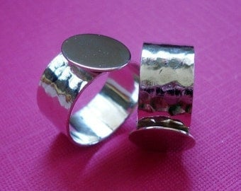 Silver Adjustable Ring 10mm Hammered Band with 13mm Round Base Setting for a Flat Back Cb or Jewel (1 piece)