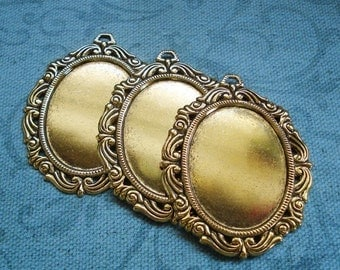Antique Brass 60x47mm Victorian Frame Setting for a 40x30mm Flat Back Cab or Jewel (1 piece)