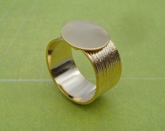 Gold Adjustable Ring with 10mm Brushed Gold Band and 12.5mm Base for a Flat Back Cab or Jewel (1 piece)