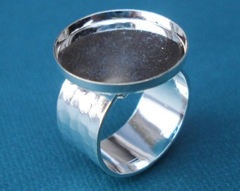 Sterling Silver Plated Adjustable Ring with 10mm Hammered Band and 18mm Round Setting with 2mm Wall (1 piece)