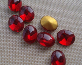 Vintage 10x8mm Siam Ruby Red Oval Smooth Top Gold Foiled Pointed Back Glass Jewels or Cabs (6 pieces)