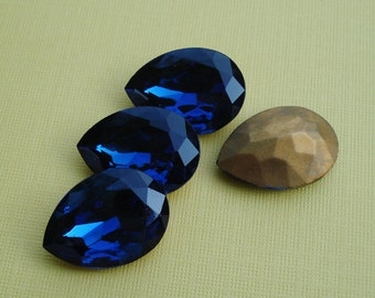 Vintage 25x18mm Czech Montana Blue Pear/Teardrop Gold Foiled Pointed Back Glass Jewel or Cab (1 piece) 1088-MB