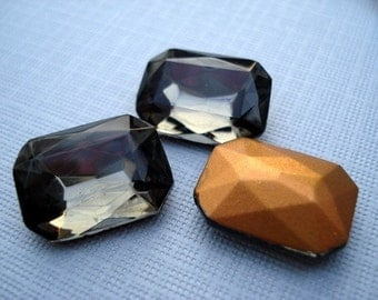 Vintage 18x13mm  Black Diamond Gold Foiled Pointed Back Faceted Glass Octagon Glass Jewel (1 piece)