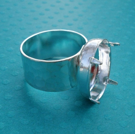 Silver Adjustable Ring with 10mm Hammered Band and 18x13mm Vertical Oval Setting (1 piece)