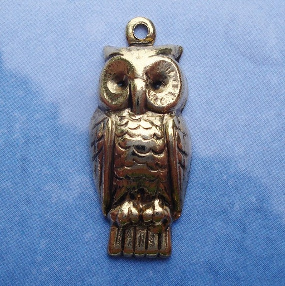 Antique Gold 22x9mm 1 Ring Hollowed Back Owl Charms For Jewelry Scrapbooking or Embellishments (3)