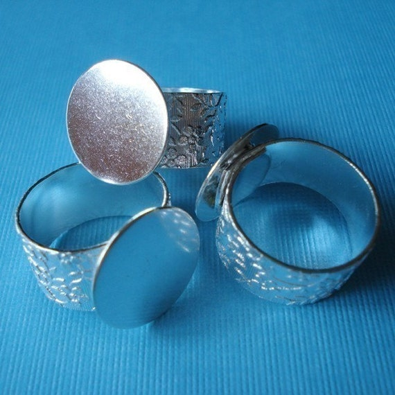 Silver Adjustable Ring with 10mm Floral Band and 16mm Base for a Flat Back Cab (1 piece)