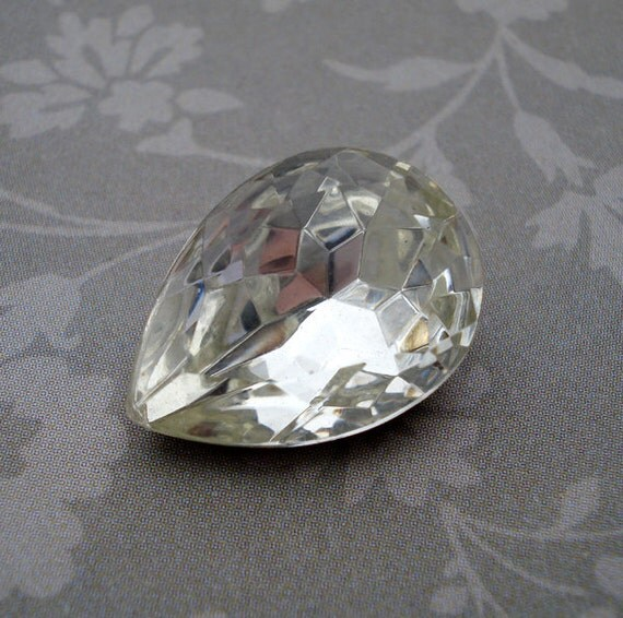 Vintage 25x18mm Czech Clear Crystal Pear/Teardrop Gold Foiled Pointed Back Faceted Glass Rhinestone Jewel or Cab (1 piece) 1088-CC
