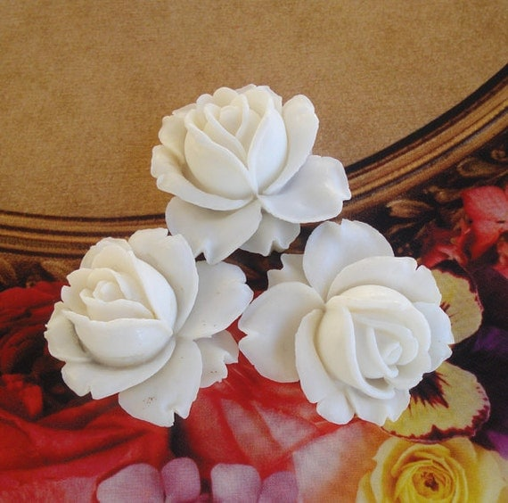 Vintage 30mm Off White Flat Back Rose Cabochons from West Germany (1 piece)
