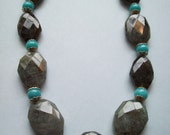 Persis-Spectacular statement necklace with shimmery labradorite