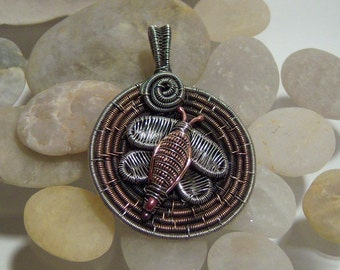 Tutorial for Wire Wrapped Bumble Bee Pendant.