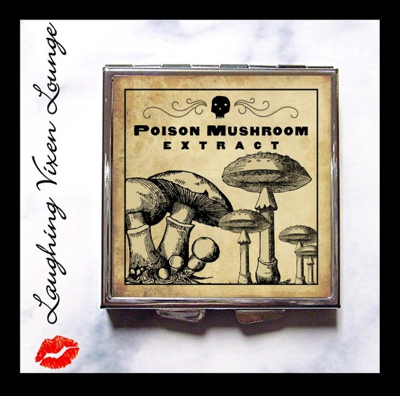 Mushroom Compact Mirror - Magic Potion Label Poison Mushroom Compact - Pill Box - Wizard Witch Potion - Magic Spell - Witch Spell