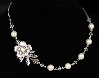 Wedding Bridal Necklace Ivory Pearl Crystal Wedding Jewelry Flower Necklace Leaf Necklace Brides Necklace DELICATE LISSE