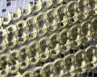 Germany Gold Fleur De Lis Dresden Paper Lace Trim  DFW 216 G