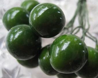 10 Vintage Germany Tiny Green Millinery Olives Stamen Peps
