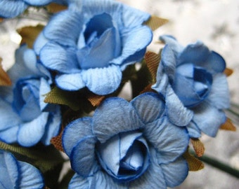 Paper Flowers 12 Old Fashioned  Millinery Roses In Sky Blue