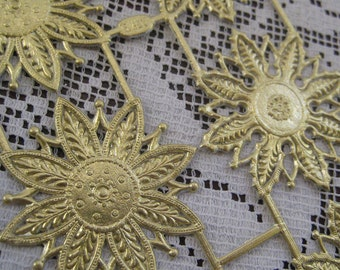 Dresden Trim Gold Snowflakes Medallions Halos Made In Germany 8 Die Cuts Christmas