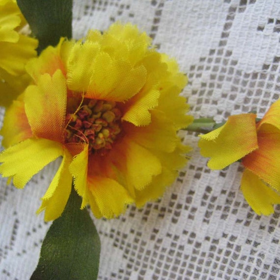 Vintage Millinery Flowers 1950s Germany Fabric Ruffled Daisies In Yellow