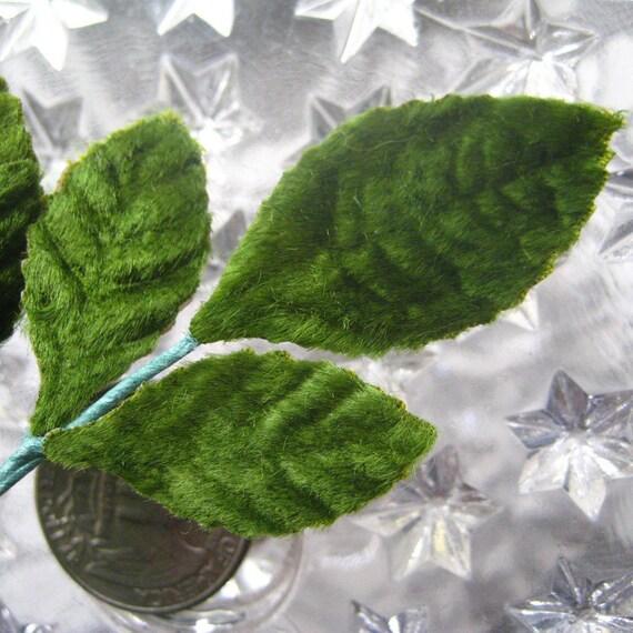 Vintage Millinery Leaves 1950s Green Velvet Rose Leaves 6 Stems Of 3 Leaves BDL 34