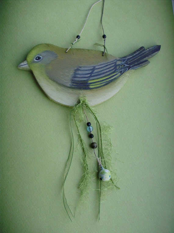 Little Green Finch Wooden Bird Hanger