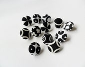 Assorted Black and White Decorative Fabric Covered Push Pin Set
