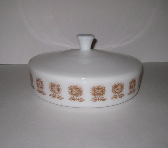 Federal Glass Sunflower Design Casserole With Lid