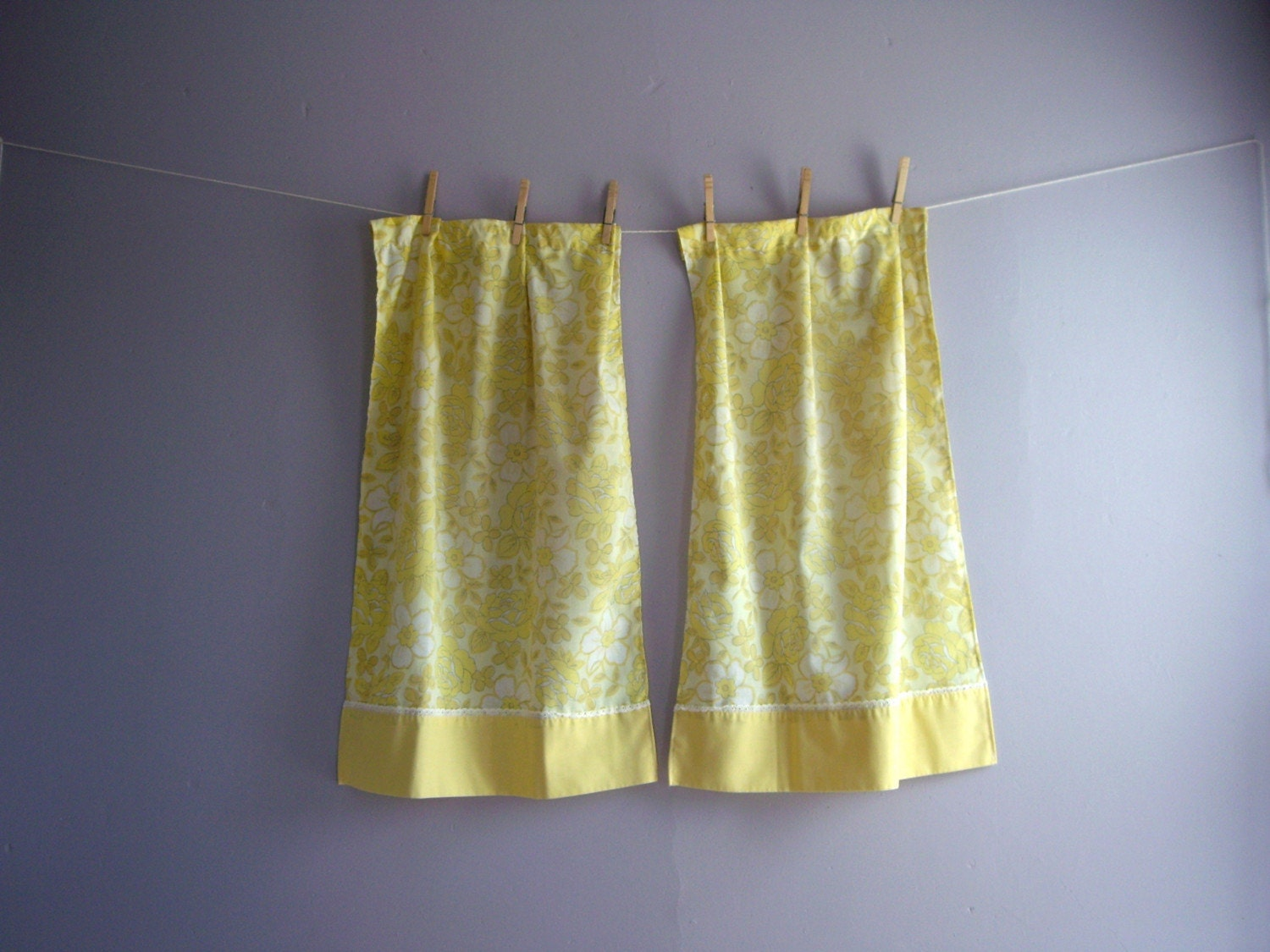 Vintage Cafe Curtains Yellow Rose