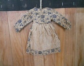 Little Primitive Dress with Apron Ornament