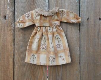 Little Primitive Dress Ornament