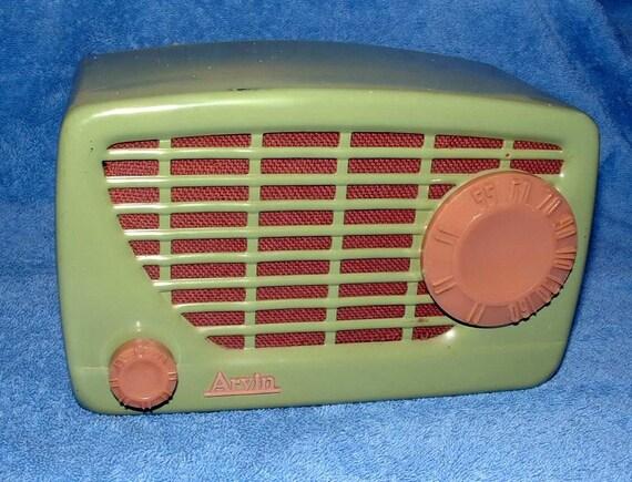 Arvin 1951 Midget Radio
