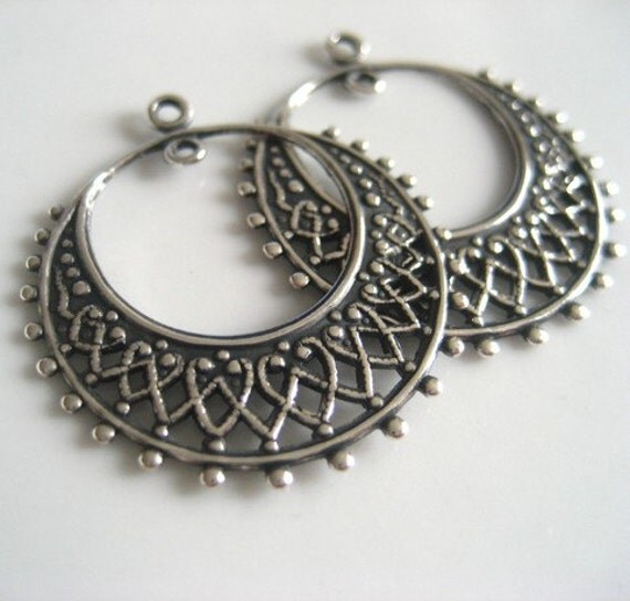 pendant metal filigree  gogo hoop  - 26/28 mm - 4 pcs- antiqued silver brass - musa671