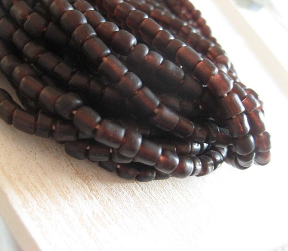 dark brown   glass Beads Modern Indo-pacific  - 3 to 5  mm  - 22 inches strand  -  1bgl223