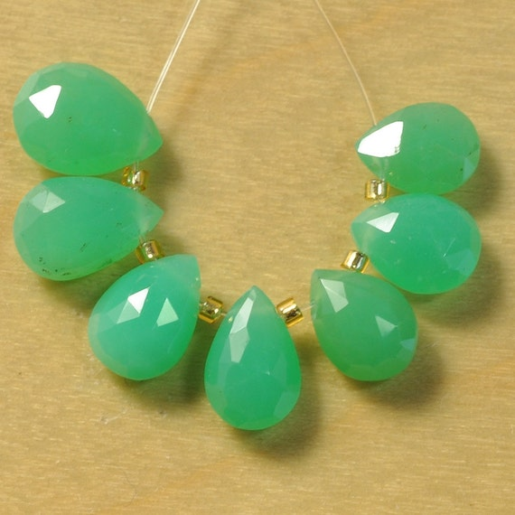Chrysoprase Faceted Pear Briolette Bead (7)