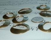 8 vintage antique brass rings