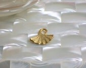 1pc Ginko leaf Bead charm drop Matte gold plated Focal Bead Pendant Earring Jewelry Jewellery Craft Supplies Nature Fauna
