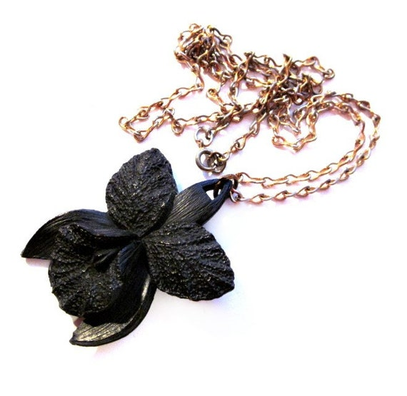 Vintage Black Flower Necklace / Gold Chain Black Plastic