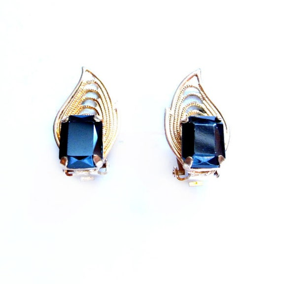Vintage Hematite Earrings, Gold Filigree Clip-On
