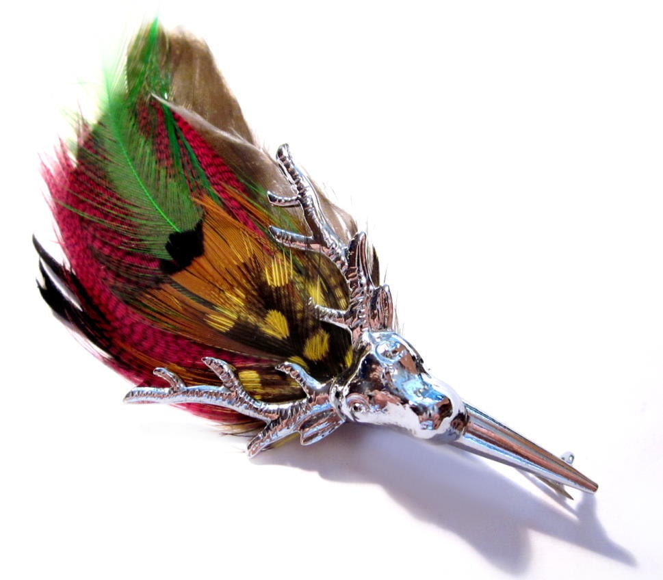 vintage feather brooch    scottish silver metal stag grouse