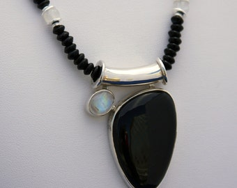 Black Onyx and Moonstone Necklace, Moonstone Pendant, Onyx Pendant, June Birthstone, July Birthstone, Onyx Necklace, Moonstone Necklace