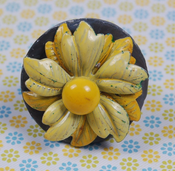 yellow enamel flower vintage jewelry upcycle ring