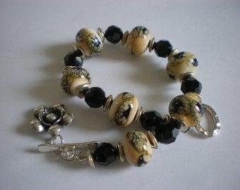 Lampwork Bracelet with Swarovski Crystals - FREE SHIPPING WORLDWIDE