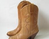 VINTAGE 70s Brazilian Brown Leather ANKLE COWBOY BOOTS. Size 7