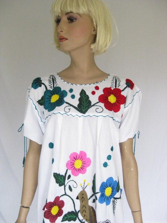 Vintage 70s   Embroidered Mexican Boho Dress