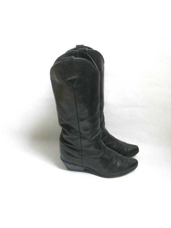 Vintage Black Leather  Cowboy Boots. Size  7