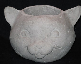 Unfinished paper mache 7 in Wide Cat Basket