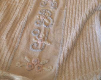 SALE Vintage Chenille Crib Blanket
