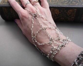 Hypoallergenic Handflower Silver tone Chain Slave Bracelet, adjustable toggle clasp, chain bracelet ring bracelet panja hand jewelry