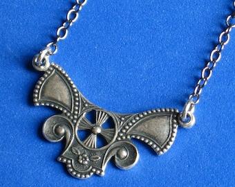 Necklace Art DECO Choker Style Antique silver plated Oxidized pendant