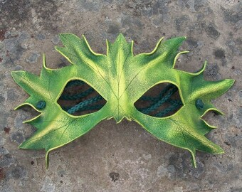Leather Earth mask in spring green
